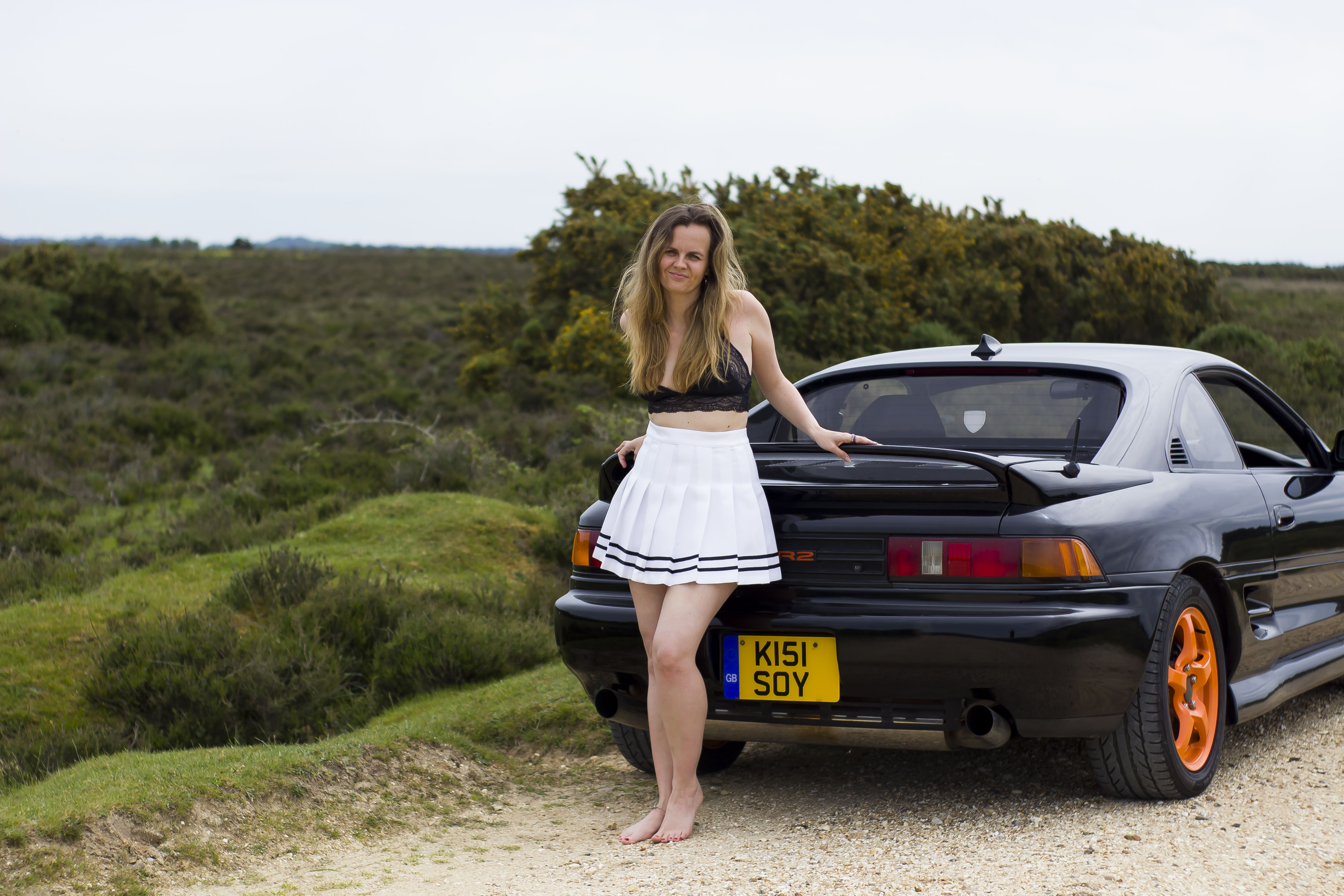 kirsty dee by MR2 car